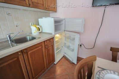 Apartmani MIKULIĆ A2(4+2) 37428, Promajna, , Splitsko-dalmatinska županija