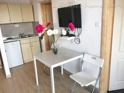 Apartments Zmukic (Apartman ADRIATICO) 37614, Bijela, , Priobalni dio (Crna Gora)