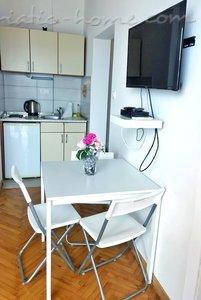 Ferienwohnungen Zmukic (Apartman PALMA) 37615, Bijela, , Priobalni dio (Crna Gora)