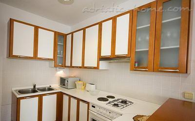 "Apartments SIPA ""B"" 6106, Ploče, Dubrovnik, Dubrovnik Region"