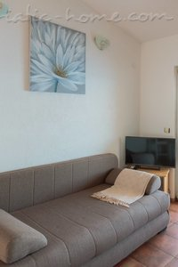 Апартаменти HABEK 3 6448, Basina, Hvar, Сплит-Далмация