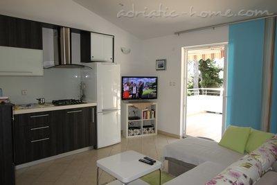 Апартаменты ATRIUM II-beach 50 meters 6665, Malinska, Krk, Регион Кварнер