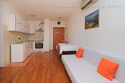 Apartamente 2-5 person 100m from beach 6670, Makarska, , Rajoni i Splitit/Dalmacisë