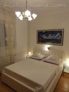 Apartamentos GNJIDIĆ 7023, Borik, Zadar, Região de Zadar