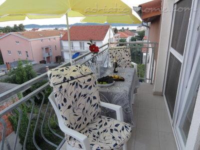 Appartementen GNJIDIĆ IV 7028, Borik, Zadar, Regio Zadar