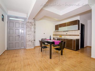 Apartmani RAYMOND-Apartman sa jednom spavacom sobom i balkonom 7961, Pržno, , Priobalni dio (Crna Gora)