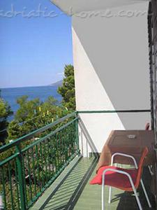 Appartements VILLA SKALINADA VI 7989, Brela, , Région de Split-Dalmatie