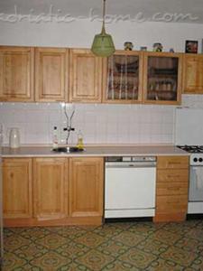 Apartmanok VILLA SKALINADA VI 7989, Brela, , Spil-Dalmácia megye