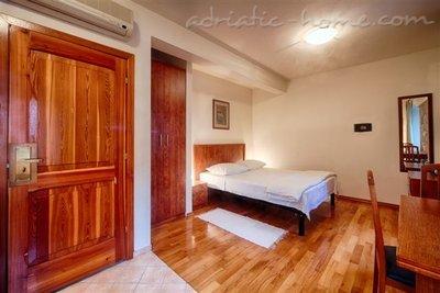 """Studio apartman """"Citrus"""" - VILLA NONNA 8370, Komiža, Vis, Splitsko-dalmatinska županija"""