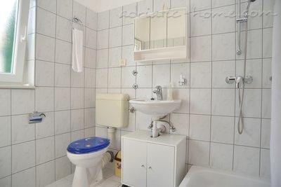 Apartmani LEPUR III 8963, Vodice, , Šibensko-kninska županija