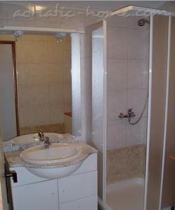 Апартаменти DVORSKI  02 9077, Mandre, Pag, Задар