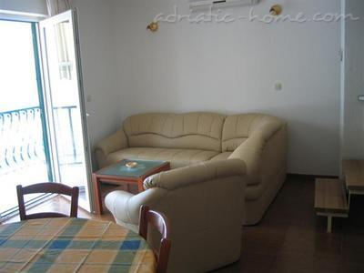 Apartments IVAN III 9346, Podgora, , Region Split-Dalmatia