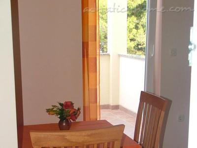 Studio apartment BLAŠKOVIĆ V 9415, Jelsa, Hvar, Region Split-Dalmatia
