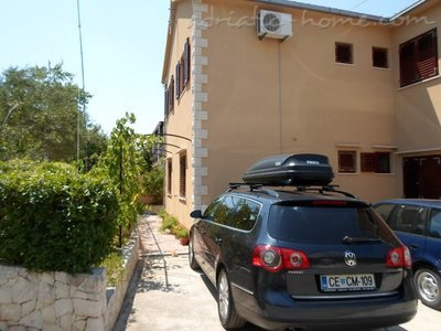 Апартаменти KELAVA II 9565, Supetar, Brač, Сплит-Далмация