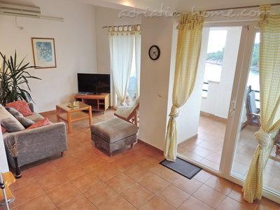 Apartamenty ROSOHOTNICA VI 9958, Jelsa, Hvar, Region Split Dalmacja