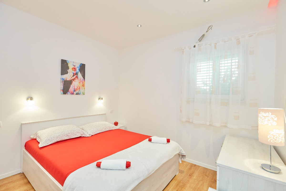 Aпартамент Red Apartment 4+2 52001, Tučepi, , Сплит-Далмация