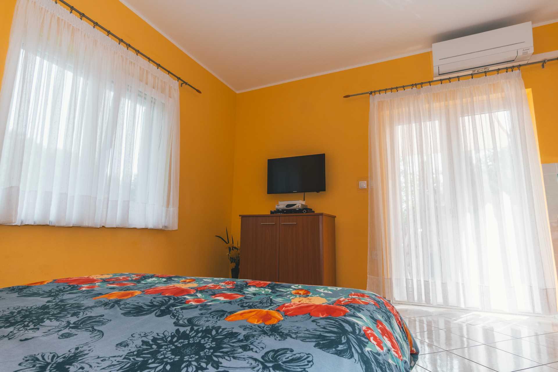 Studio Apartment Studio apartment in Villa Majda, Brsec 12638, Brseč, , Kvarner Region