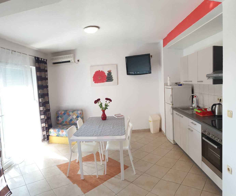 Apartmaji Neda 25401, Omiš, , Regija Split-Dalmacija