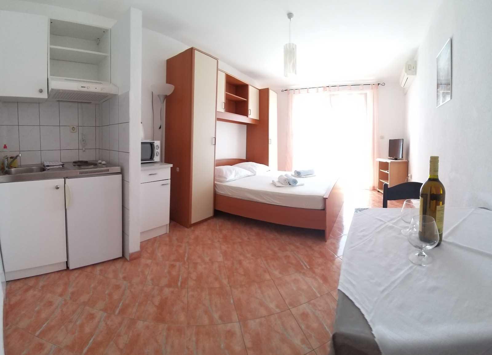 Studio appartement A2 na 4 katu 33675, Baška Voda, , Regio Split-Dalmatië