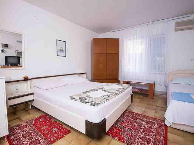 "Apartmani Vila "" Danica "" 33822, Petrovac, , Priobalni dio (Crna Gora)"