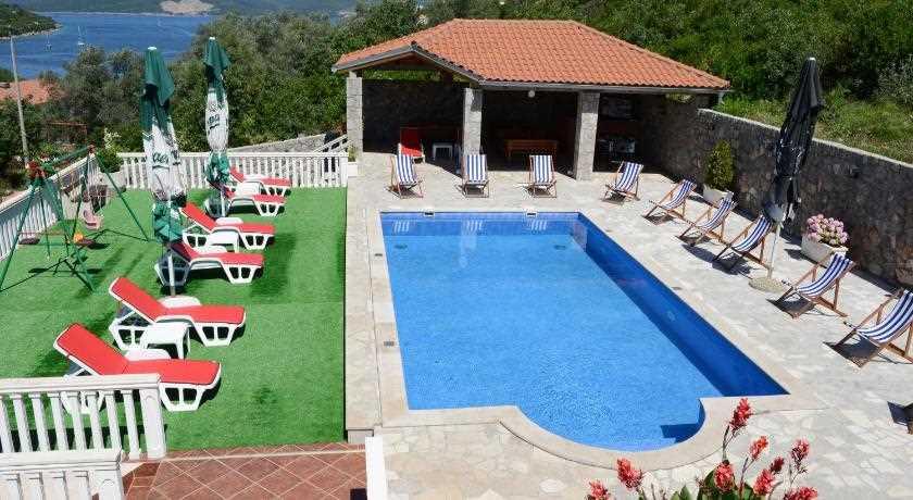 Apartamenty VILLA LAZAREVIC, Bigova 7902, Kotor, , Priobalni dio (Crna Gora)