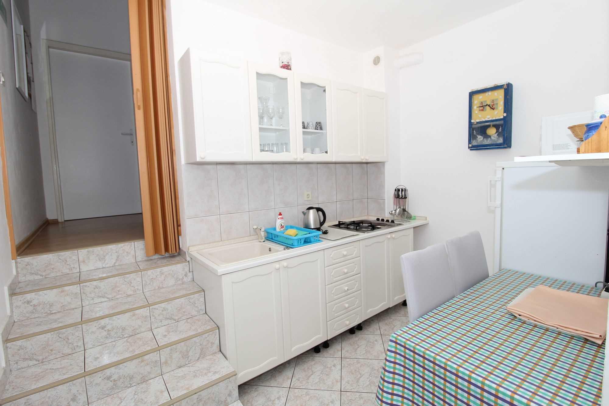 Leiligheter DVORSKI  02 9077, Mandre, Pag, Zadar-regionen