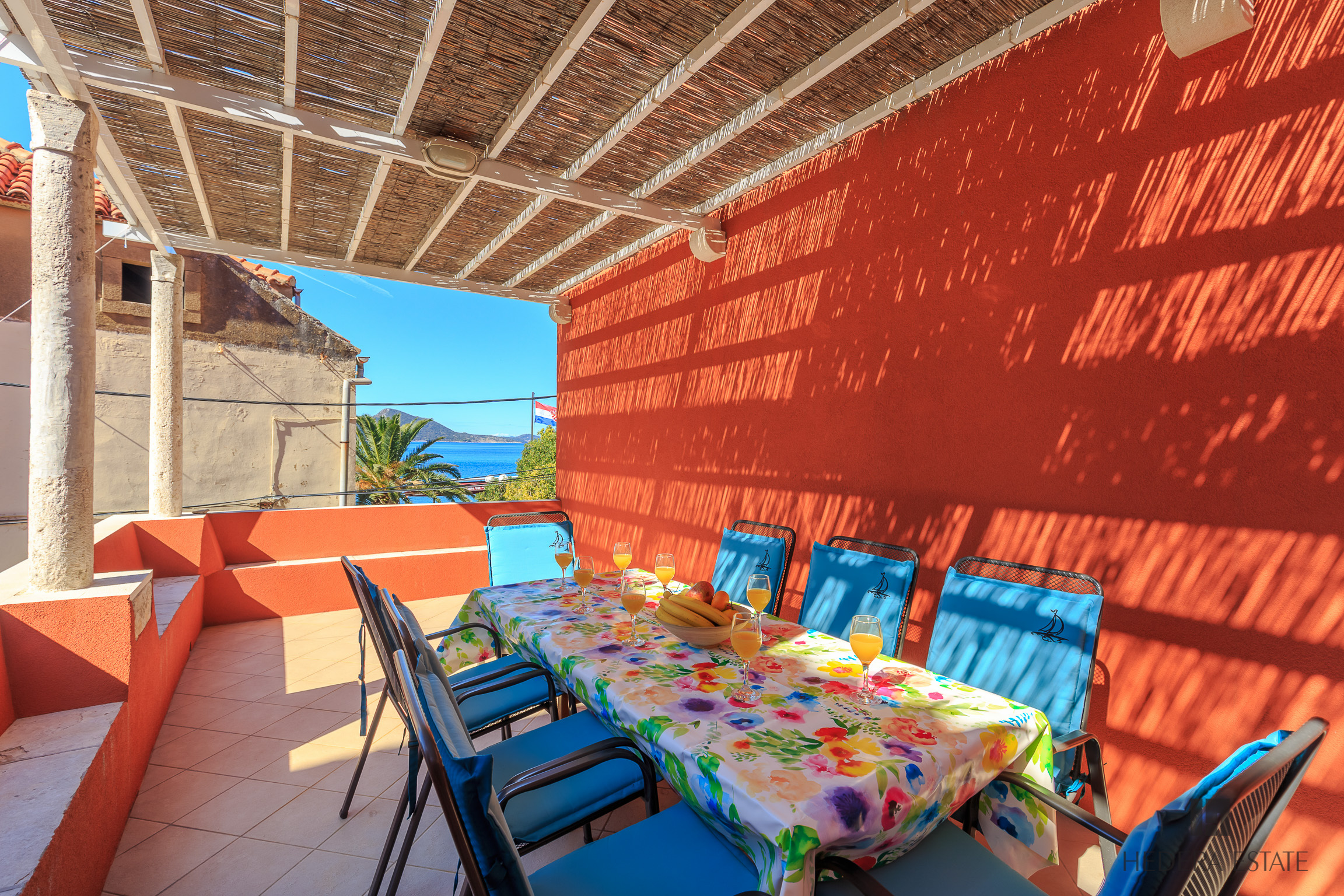 <p>Sleeps 8<br />4 bedrooms<br />4 bathrooms<br />Kitchen, dining area and living room<br />Large terrace, sea view<br />Located on Island of Kolocep<br />Distance from Dubrovnik: 20 minutes drive with ferry boat</p>