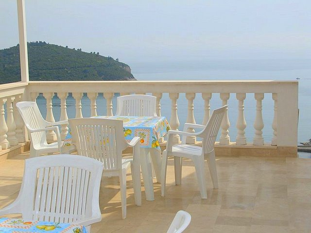 Aerie  Apt 2 451, Dubrovnik - walking distance to Old Town, Dubrovnik, Dubrovnik region